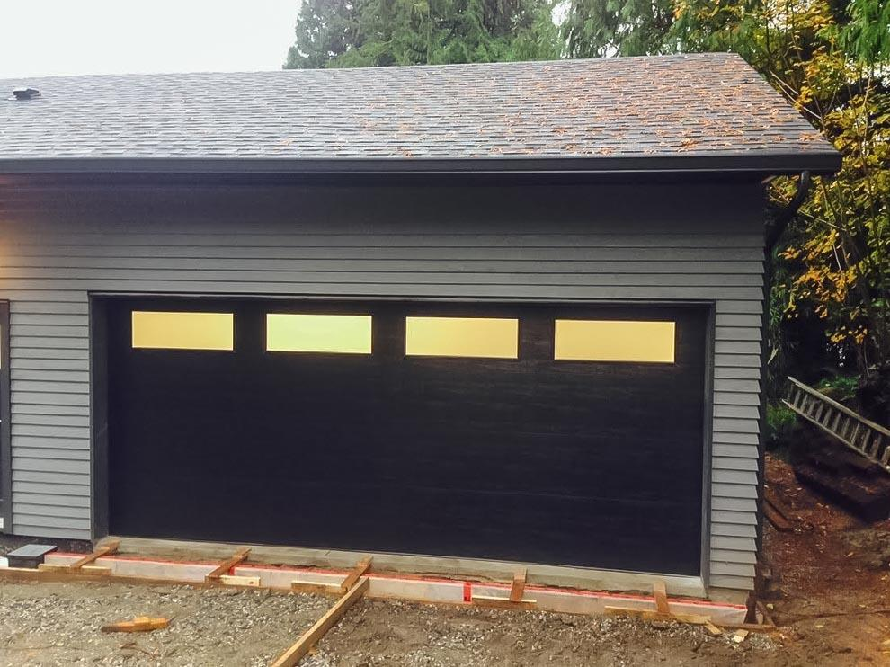 Garage doors vancouver new custom projects 778 655 for Clopay steel garage doors