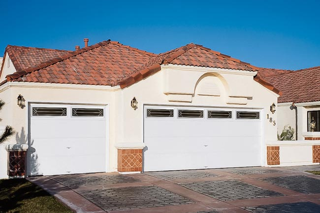 modern-steel-garage-door-trillian
